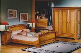 chambre en merisier décoration deco chambre meuble merisier 96 10582105 merlin inoui