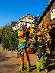 When Do Halloween Decorations Go Up At Disneyland Best 25 Halloween At Disneyland Paris Ideas On Pinterest