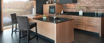 cuisine bois massif contemporaine cuisine cuisine haut de gamme sur mesure trocadero marque franã