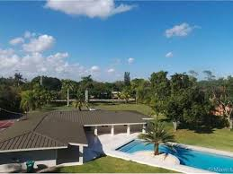 House Features Oj U0027s Former Miami Home Features Exclusive Bragging Rights