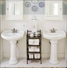 Cottage Style Home Decorating Ideas by Cottage Style Bathroom Ideas Best 25 Small Cottage Bathrooms
