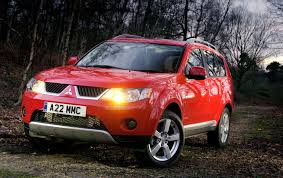 red mitsubishi outlander mitsubishi outlander estate 2007 2013 photos parkers