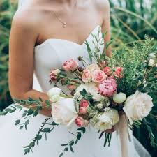 wedding flowers brisbane wedding flower availability by month