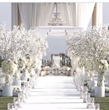 stunning white wedding decoration ideas 1000 ideas about white