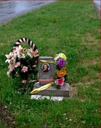 roadside memorial crosses roadside memorial