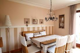 Wandgestaltung Braun Ideen Wand Streifen Schlafzimmer Braun Beige Horizontal Fuchsia Akzente