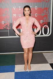 demi lovato looks flawless in tight pink mini at 2015 mtv vmas