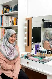 how to become a makeup artist at home now jakarta a chat with make up artist arsya nafisa