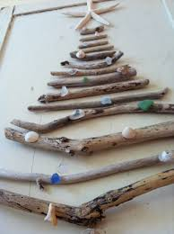 14 awesome driftwood christmas trees you can make shelterness