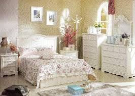 rustic shabby chic bedroom ideas lower drawer curved padded
