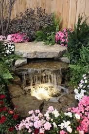 fontaine en pierre naturelle petite cascade de jardin pour embellir l u0027espace extérieur