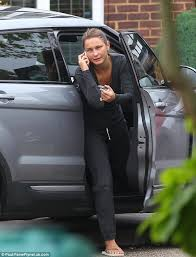 towie u0027s sam faiers arrives sister billie u0027s house newborn