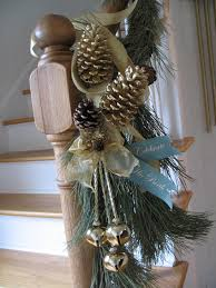 Christmas Banisters A Whole Bunch Of Christmas Staircase Decorating Ideas U2014 Style Estate