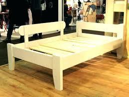 chambre enfant bois massif lit enfant en bois lit bacbac bois massif laquac blanc de combelle