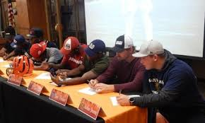 College National Letter Of Intent Thirteen Tigers Sign National Letters Of Intent On Traditional