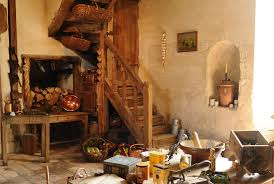 cuisines anciennes cuisine a l ancienne une cuisine à l ancienne qui fait la part