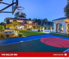 Making A Backyard Putting Green Khloe Kardashian U0026 Tristan Thompson Eyeing 9 Million House With