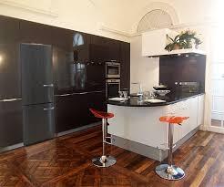 credence pvc cuisine cuisine en u affordable la cuisine en u avec bar voyez les