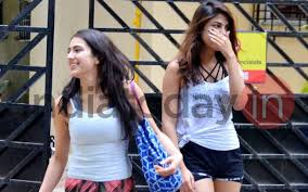 Sara Story See Pic Sara Ali Khan Rhea Chakraborty Are Giving Us Friendship