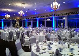 beautiful winter wedding venue twin lakes golf club in oakland