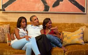 Obama S Vacation File Obamas Watch Michelle Obama Speech Jpg Wikimedia Commons
