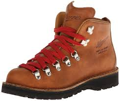 womens hiking boots with top supportive features