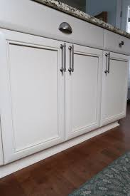 baseboards kitchen cabinets kitchen cabinets chipped or baseboards peeling here s what
