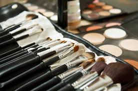 if you are someone who works with makeup on a daily basis whether you re a makeup artist or someone who wears it everyday you recognize the value of