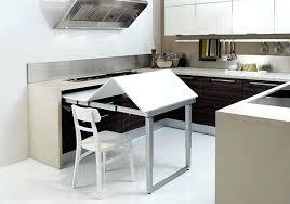 travailler en cuisine rangement cuisine pratique astuce rangement malin pour une cuisine
