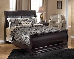 Grand Estates Sleigh Bedroom Set Esmarelda Queen Sleigh Bed In Dark Merlot