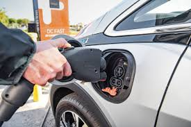 nissan leaf dc fast charge chevrolet bolt ev might charge at 80 kw push evs