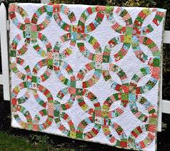 wedding ring quilt wedding ring quilts traditional and contemporary