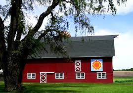 Round Barns In Wisconsin 6 Barn Quilt Trails To Discover In Wisconsin The Bobber