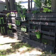 Pallet Garden Decor 120 Best Pallet Shelves Images On Pinterest Pallet Shelves Wood