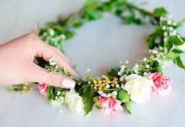 flower crowns make flower crowns with fresh flowers tutorial how to make a