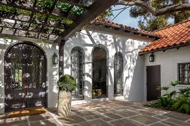 spanish revival homes house of the week an authentic spanish revival home in brentwood