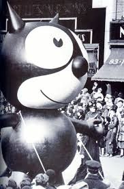 watch the thanksgiving day parade live macy u0027s thanksgiving day parade through the years photos abc news