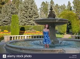 Washington State Botanical Gardens Pretty Plays In The Davenport Duncan Garden