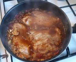 cuisiner du veau en morceau escalopes de veau à l italienne recette de escalopes de veau à l
