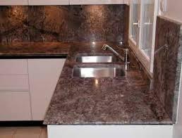 granit pour cuisine evier de cuisine en granite great cuisine en granit noir ltano