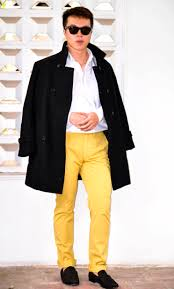 men wear yellow pants confused dasher
