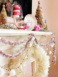 Christmas Garland Decorating Ideas by 40 Interesting Christmas Garland Decoration Ideas All About