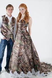 camo dresses for weddings find your special camouflage wedding dresses and decorations