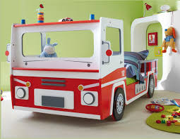 chambre pompier lit camion de pompier enfant secret de chambre