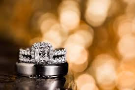 Make Wedding Ring by This Photographer Uses Sequin Dresses To Make Wedding Ring Photos