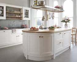 we design and create outstanding kitchens