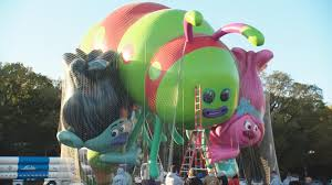 thanksgiving day video get a sneak peek at 2016 macy u0027s thanksgiving day parade balloons