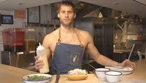 homme nu cuisine le chef et mannequin franco noriega a peut tre trouv le snack parfait 2445 png