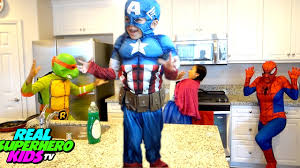 Cleaning The House by Frozen Anna Maid Cleaning The House Spiderman Captain America