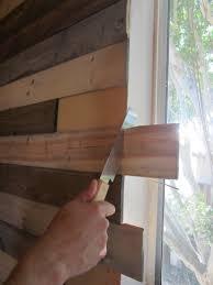 rivestimento in legno pareti rivestimenti in legno fai da te con i pallet riciclati
